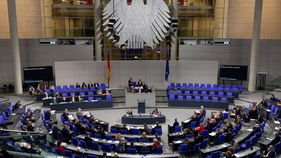 Blick in den Plenarsaal des Deutschen Bundestages (2020)