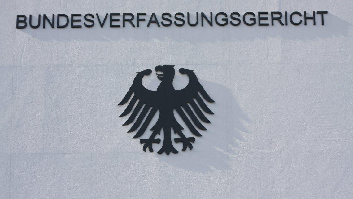 Verfassungsgericht Karlsruhe Bundesadler Neuregelung Paragraph 217 Suizidhilfe Klagen